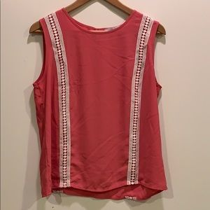 Casual pink tank
